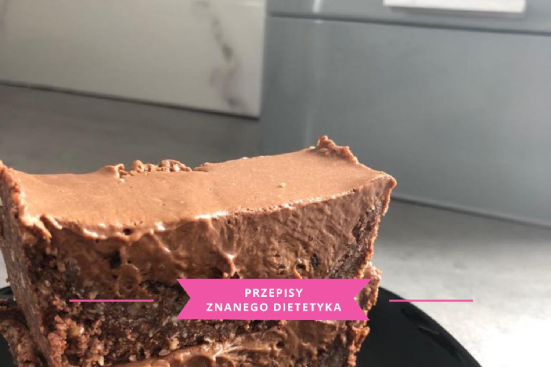 ciasto czekoladowo-kokosowe bez pieczenia karmena łasicka znany dietetyk